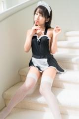 十味1stソロ写真集『とーみにこ』(C)Takeo Dec./集英社
