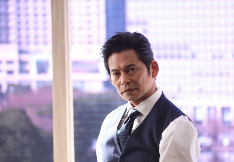 フジテレビ4月期の月9ドラマ『SUITS/スーツ2』よりクランクインを迎えた織田裕二 (C)フジテレビ