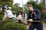 庭師の基礎テクニック指導も行った(C)テレビ朝日
