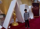 『第92回アカデミー賞授賞式』取材でレッドカーペットにたたずむ中島健人(C)WOWOW