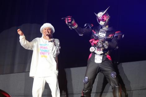 ISSAと仮面ライダージオウ (C)2018 石森プロ・テレビ朝日・ADK EM・東映