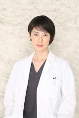 『トップナイフ —天才脳外科医の条件—』に主演する天海祐希(C)日本テレビ