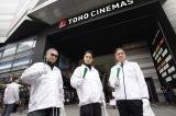 映画『初恋』歌舞伎町クリーンイベントの模様 (C)2020「初恋」製作委員会