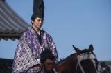 第5回(2月16日放送)室町幕府第13代将軍・足利義輝(向井理)が初登場(C)NHK