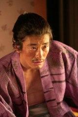 大河ドラマ『麒麟がくる』第5回・第6回に登場する鍛冶職人・伊平次を演じる玉置玲央(C)NHK