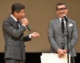 『第62回ブルーリボン賞授賞式』に登壇した(左から)舘ひろし、中井貴一 (C)ORICON NewS inc.