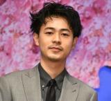 映画『弥生、三月-君を愛した30年-』の完成披露舞台あいさつに登壇した成田凌 (C)ORICON NewS inc.