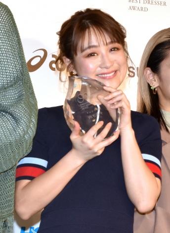 『スニーカーベストドレッサー賞 2020』授賞式に出席した鈴木奈々 (C)ORICON NewS inc.