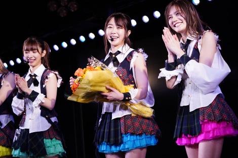 AKB48劇場公演1000回出演を達成した最後の1期生・峯岸みなみ(C)AKS