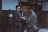 5月22日公開の映画『燃えよ剣』に出演する鈴木亮平、伊藤英明(C)2020「燃えよ剣」製作委員会