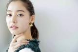 新木優子、シースルーで美肌披露