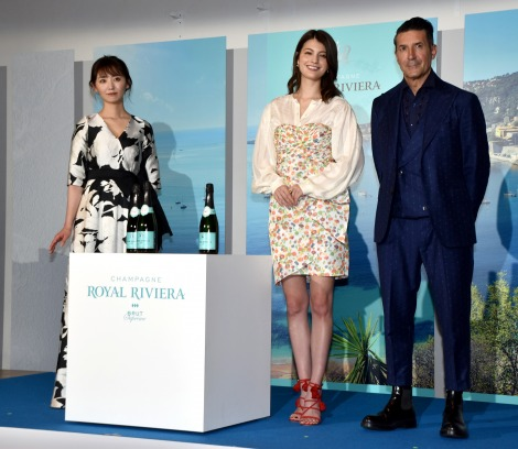 高級シャンパン『ROYAL RIVIERA』の日本上陸発表会に応援ゲストとして参加した(左から)おのののか、マギー、パンツェッタ・ジローラモ (C)ORICON NewS inc.