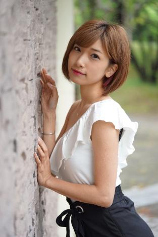 サムネイル 第1子女児出産を報告した森川彩香