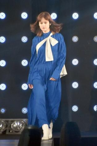 『第30回 マイナビ 東京ガールズコレクション 2020 SPRING/SUMMER』に登場したemma (C)ORICON NewS inc.
