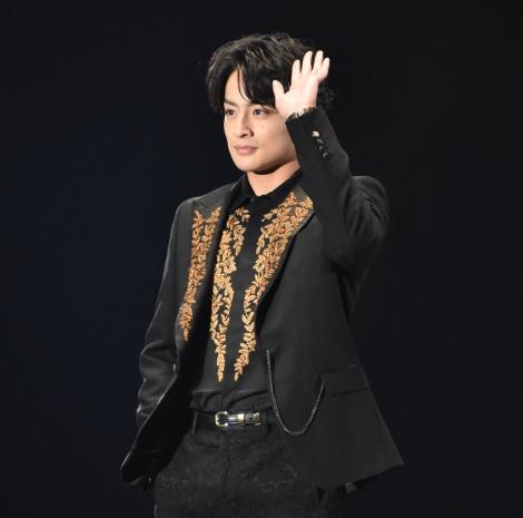『第30回 マイナビ 東京ガールズコレクション 2020 SPRING/SUMMER』に登場した白濱亜嵐 (C)ORICON NewS inc.