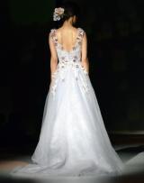 「ラプンツェル」モチーフのドレスを披露した倉科カナ=『ディズニー ウェディングドレス コレクション第3弾』の発表会 (C)ORICON NewS inc.
