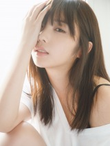 与田祐希写真集『無口な時間』HMV&BOOKS online限定表紙カット