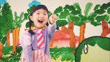 Eテレ『みいつけた!』3月9日より新エンディングテーマ曲を放送。くるり岸田繁が作詞・作曲した「ドンじゅらりん」を歌うスイちゃん(増田梨沙)(C)NHK・NED