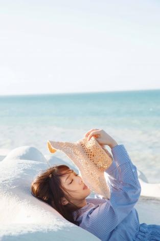 与田祐希写真集『無口な時間』セブンネット限定裏表紙