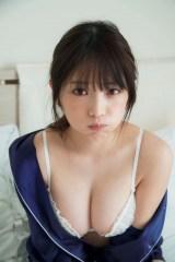 与田祐希写真集『無口な時間』人生初のランジェリーショット