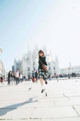 与田祐希写真集『無口な時間』楽天ブックス限定裏表紙