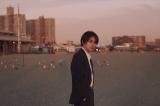柳楽優弥アニバーサリーブック『やぎら本』(SDP)より。ニューヨーカー御用達の人気スポット・コニーアイランドビーチにて