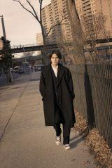 柳楽優弥アニバーサリーブック『やぎら本』(SDP)より。ニューヨークの街中をぶらりと巡りながら撮影