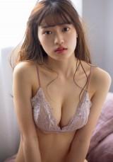 『週刊プレイボーイ』12号に登場した岩本愛未(C)田口まき/週刊プレイボーイ