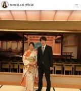 玉木碧アナと松平健太がインスタグラムで結婚を報告(本人インスタグラムより)