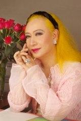 美輪明宏がパーソナリティーを務めるラジオ番組『美輪明宏の薔薇色の日曜日』が16年半の歴史に幕(C)TBSラジオ