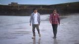 藤井フミヤ(右)、藤井尚之(左)によるF-BLOOD、3年ぶり新アルバム収録曲が「旅サラダ」新テーマソングに。4月4日放送回では、藤井兄弟が鹿児島を旅する(C)ABCテレビ