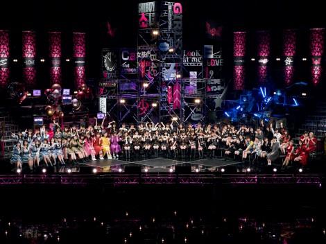 AKB48、モー娘、ももクロらアイドルグループ7組68人が大集結(C)NHK