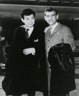 1961年4月24日のニューヨーク・フィル来日の際、バーンスタインと初めての帰国(C)ヴェローザジャパン