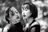 篠山紀信、写真集『premiere sister rina&mari』表紙(左側mari 右側rina)