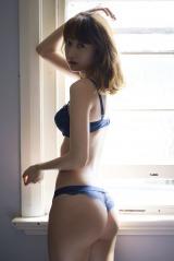 高田秋ファースト写真集『SHU』カット(C)熊谷 貫/週刊プレイボーイ