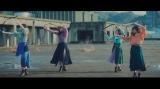 ロングスカートでダンスするHKT48(C)Mercury