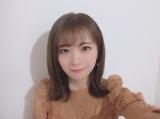 2ndソロ写真集『しあわせにしたい』発売記念でSHOWROOM配信を行った秋元真夏