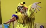 YouTubeチャンネルを開設で憧れだったガングロメイクに挑戦する仲里依紗