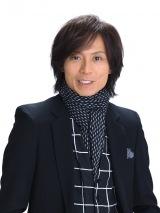 クミコ&井上芳雄デュエット・シングル「小さな手」作詞・作曲を務めたつんく♂
