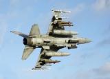 作品:戦闘機「F-16D」/制作:しばやん(@hyperducati)