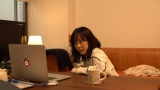 (1)「心はホノルル、彼にはピーナツバター」 =テレワークドラマ『今だから、新作ドラマ作ってみました』再放送決定(C)NHK
