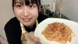 「トマトのカルボナーラ」を作った高橋彩香(C)AKB48