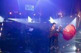 井上芳雄「Your Song」(『ムーラン・ルージュ』より)=WOWOWオリジナルミュージカルコメディー『福田雄一× 井上芳雄 グリーン&ブラックス』#38、5月20日放送(C)WOWOW