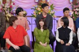 『行列のできる法律相談所』に出演したNANAMI(緑衣装)(C)日本テレビ