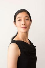 dancers eight公式YouTubeチャンネルで「#Chainof8」に参加した中村恩恵