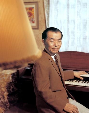 NHK連続テレビ小説『エール』主人公のモデルとなった、コロムビアレコード専属作曲家の古関裕而にも再脚光