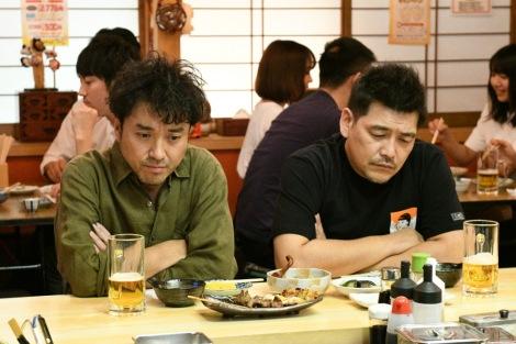 TBS 『大恋愛〜僕を忘れる君と 特別編』より(左から)ムロツヨシ、富澤たけし(C)TBS