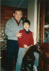 幼少期のDAIGO&祖父で元総理大臣の竹下登氏(写真は公式ブログより)