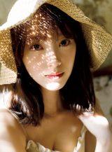 堀未央奈2nd写真集『いつかの待ち合わせ場所』先行カット