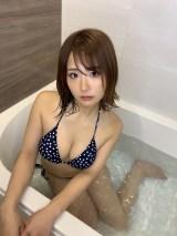 """人気グラドル""""完全自撮り""""バトル"""
